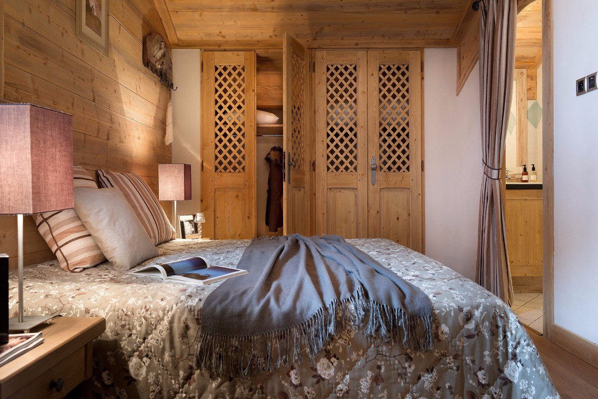 Le Hameau de Pierre Blanche, Les Houches (self catered apartments) - Double Bedroom