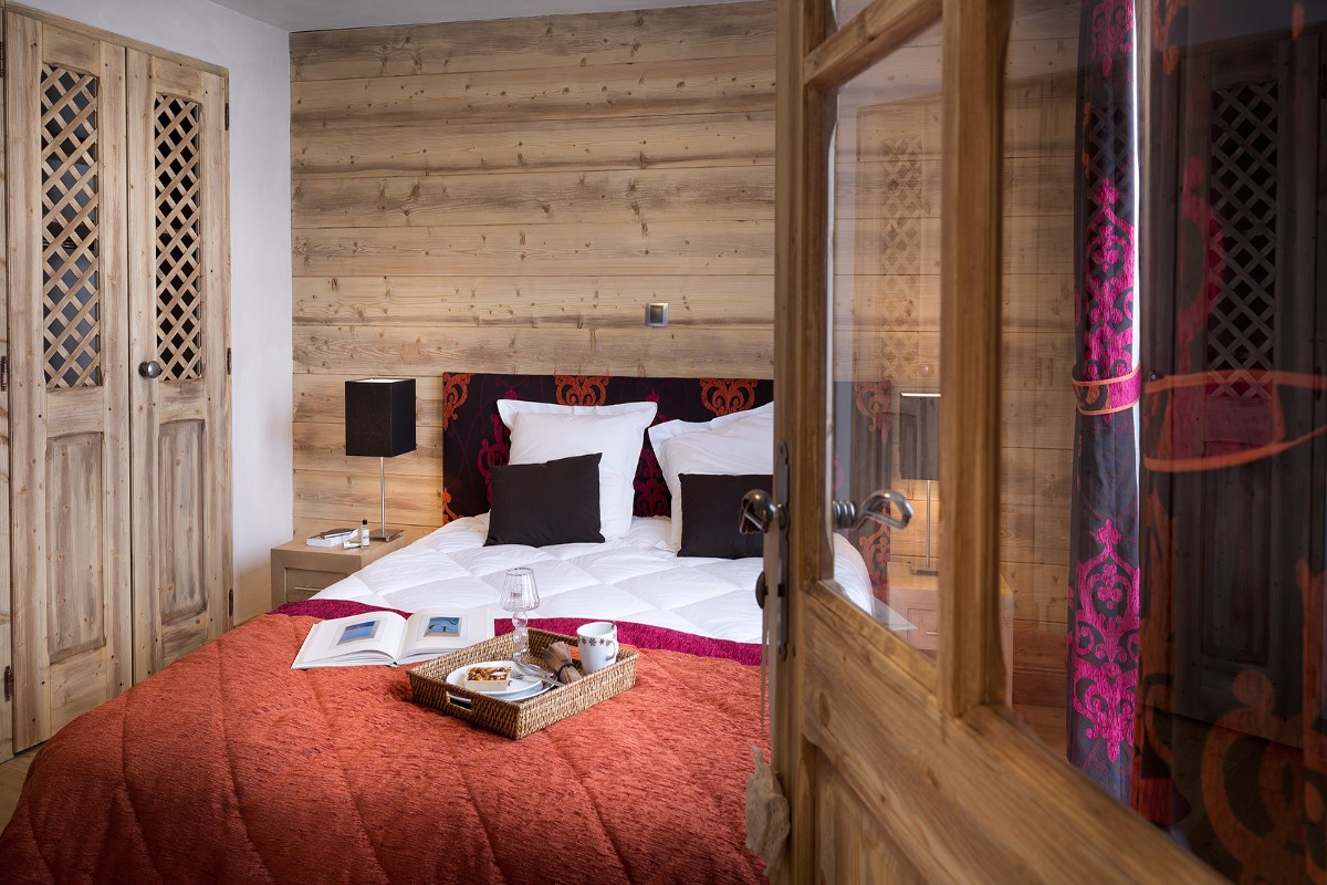 Les Chalets de Leana, Les Carroz (self catered apartments) - Double Bedroom