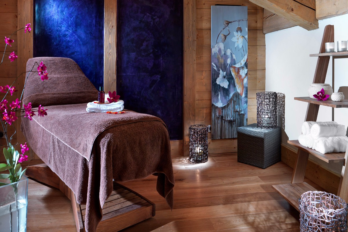 La Reine des Pres, Samoens (self catered apartments) - Spa