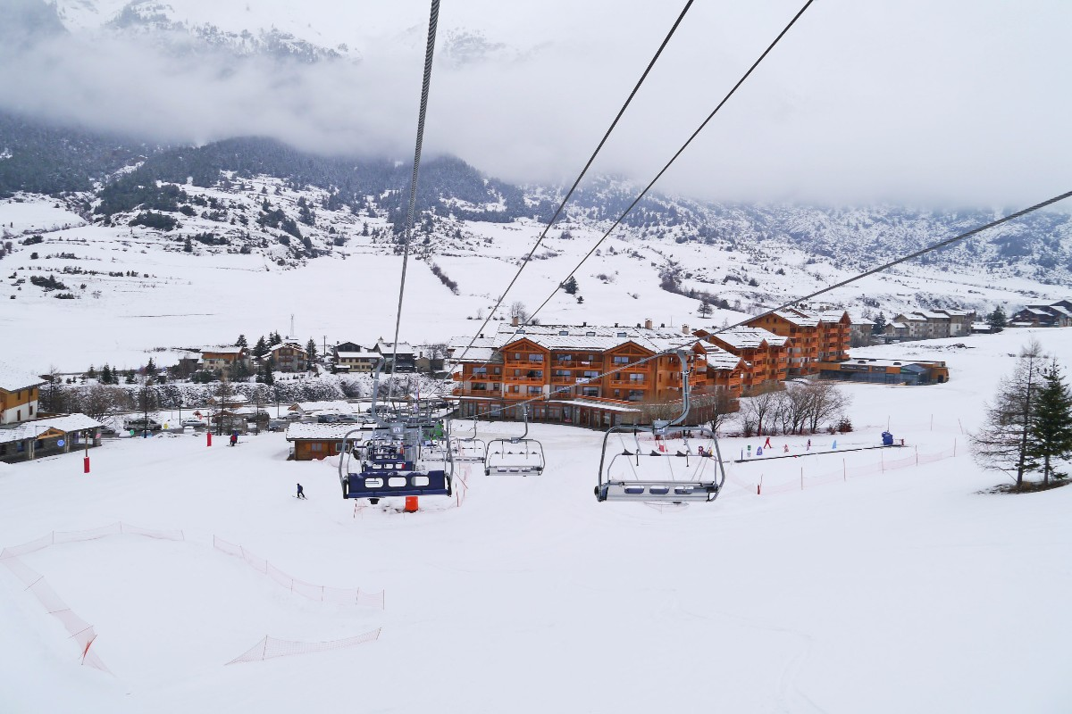 Les Chalets du Flambeau, Val Cenis (self catered apartments) - Excellent Location