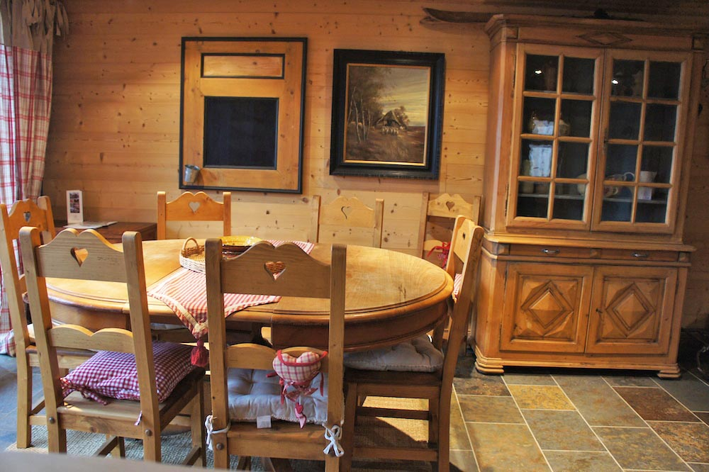 Chalet Violet, St Martin de Belleville (self catered chalet) - Dining Area