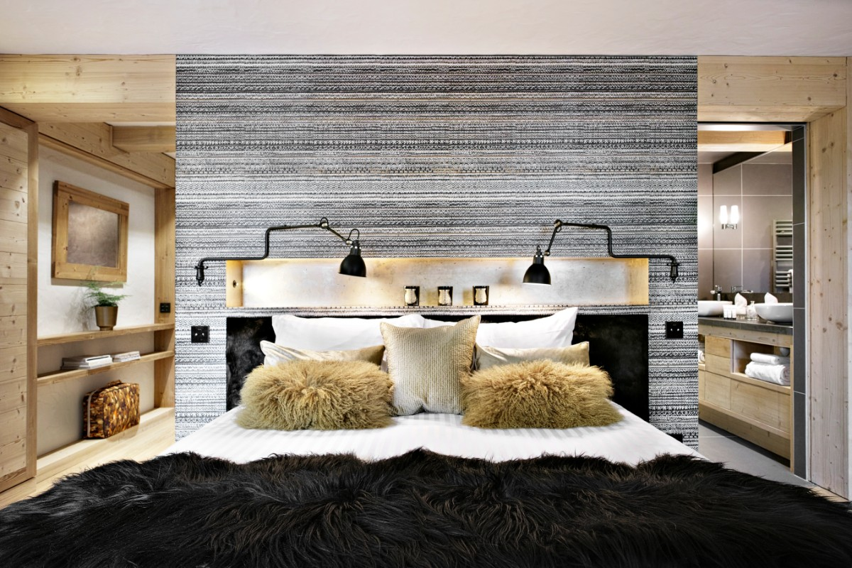Le Chalet, La Clusaz (B&B chalet) - Double Bedroom (Panthere Noire)