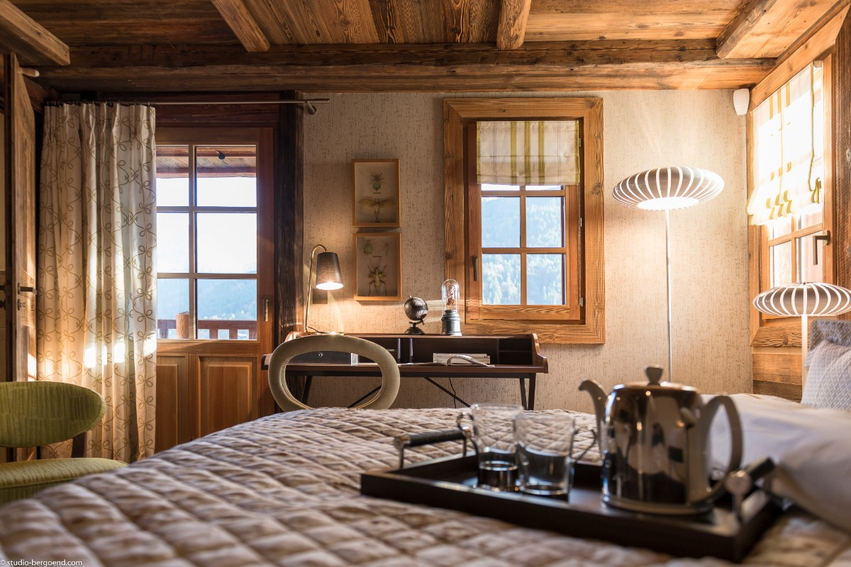 Chalet Julie, Grand Bornand (self catered chalet) - Double Bedroom with balcony