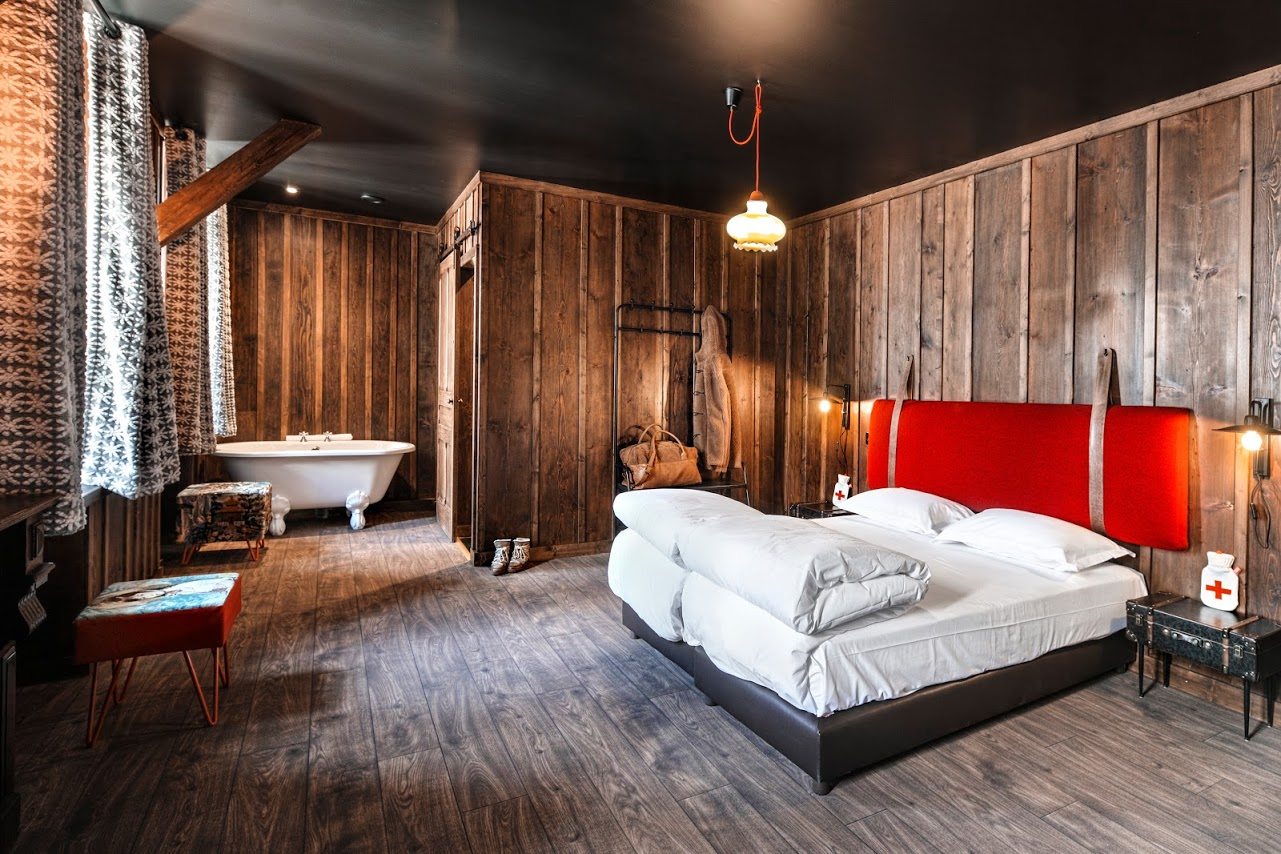 terminal neige refuge du montenvers chamonix peak retreats. Black Bedroom Furniture Sets. Home Design Ideas