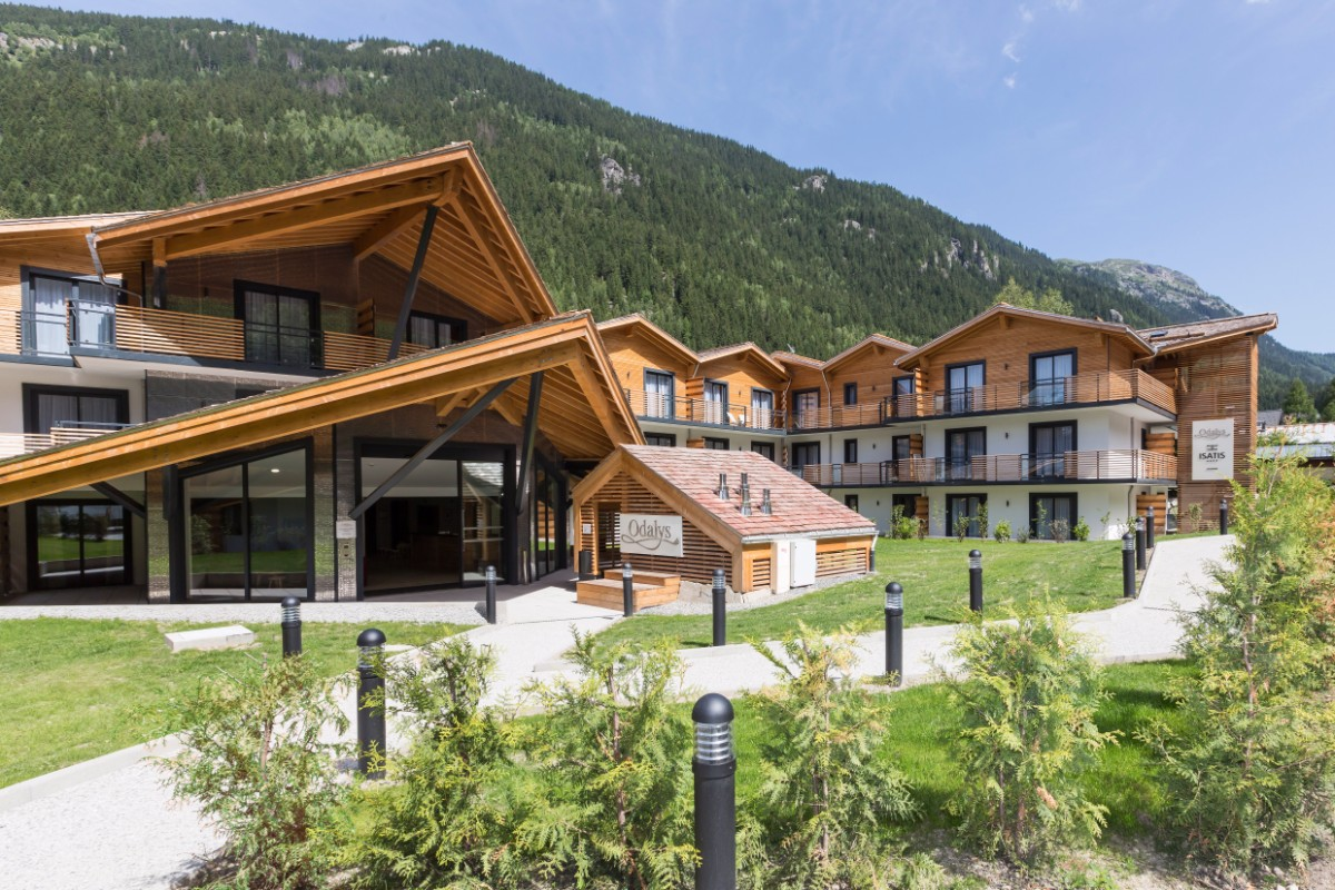 Isatis, Chamonix (self catered apartments) - In the hamlet of les Tines