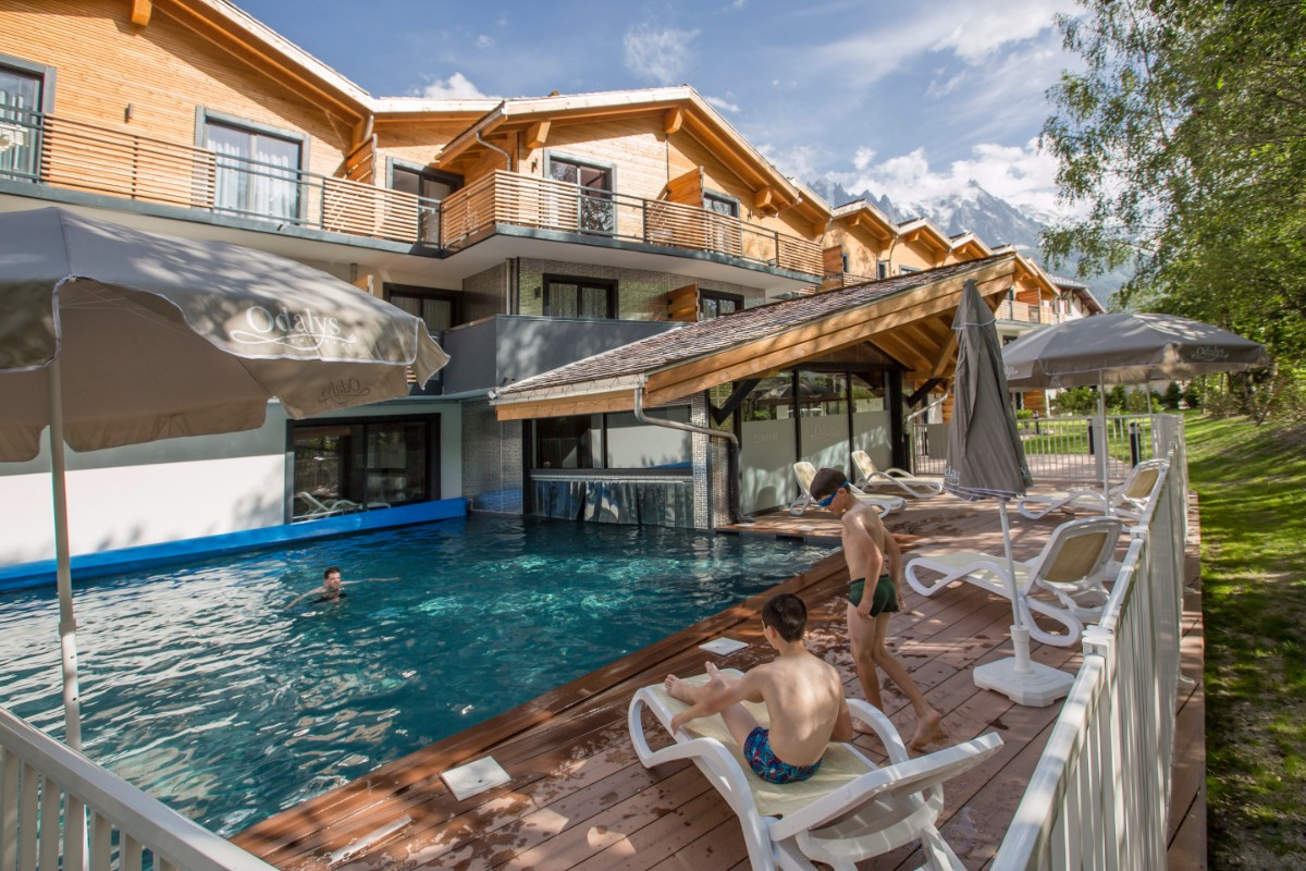 Isatis, Chamonix (self catered apartments) - Outdoor Pool