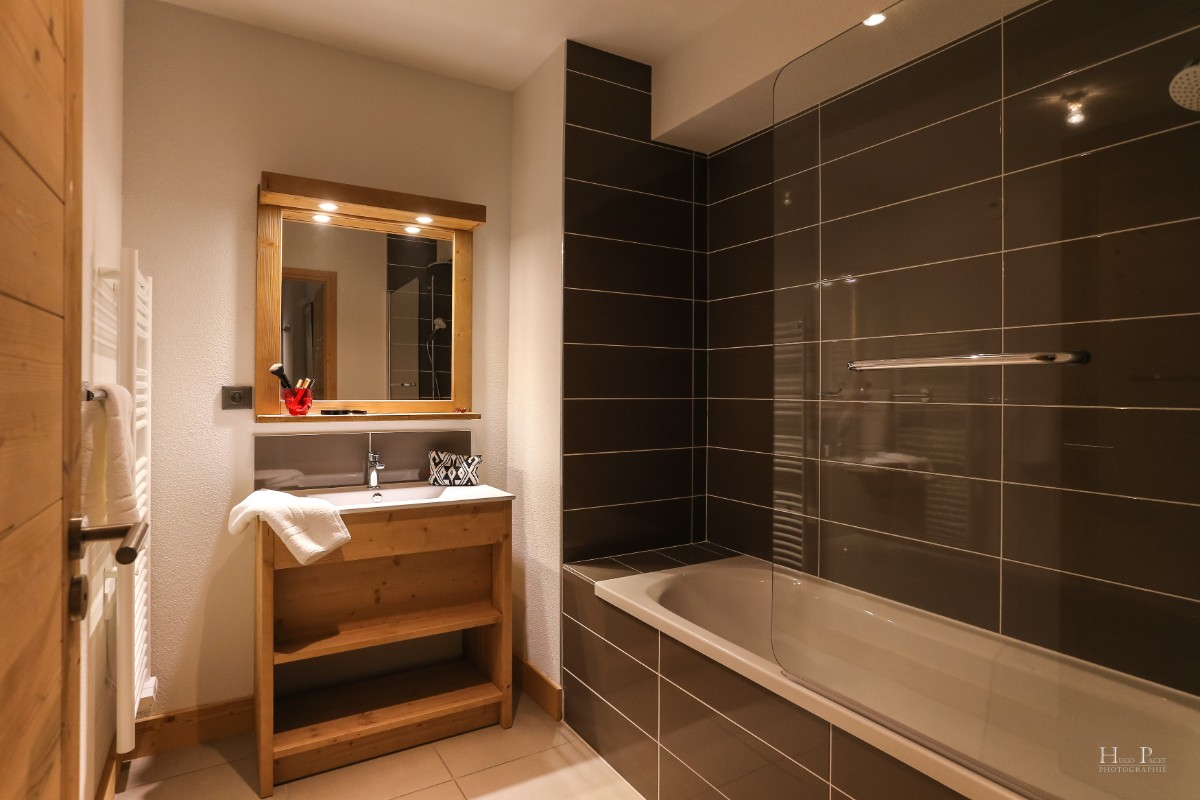 Fermes du Mont Blanc, Combloux (self catered apartments) - Bathroom