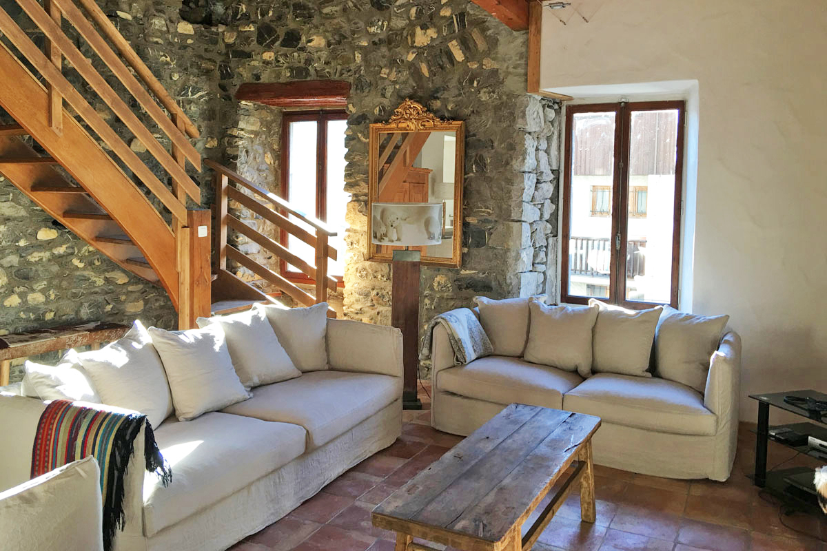 Maison du Bourg, Samoens (self catered chalet) - Living area