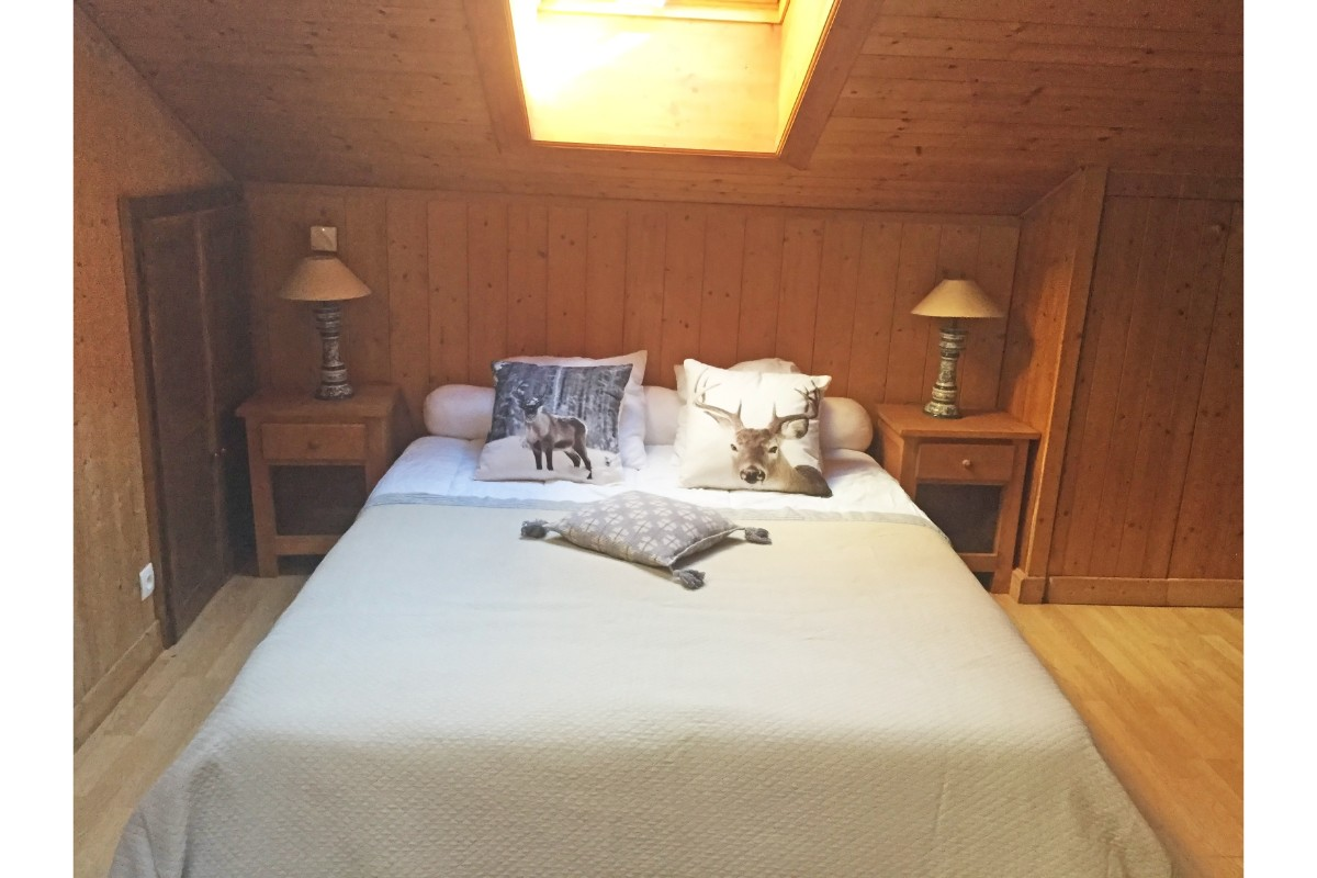 Maison du Bourg, Samoens (self catered chalet) - Double bedroom