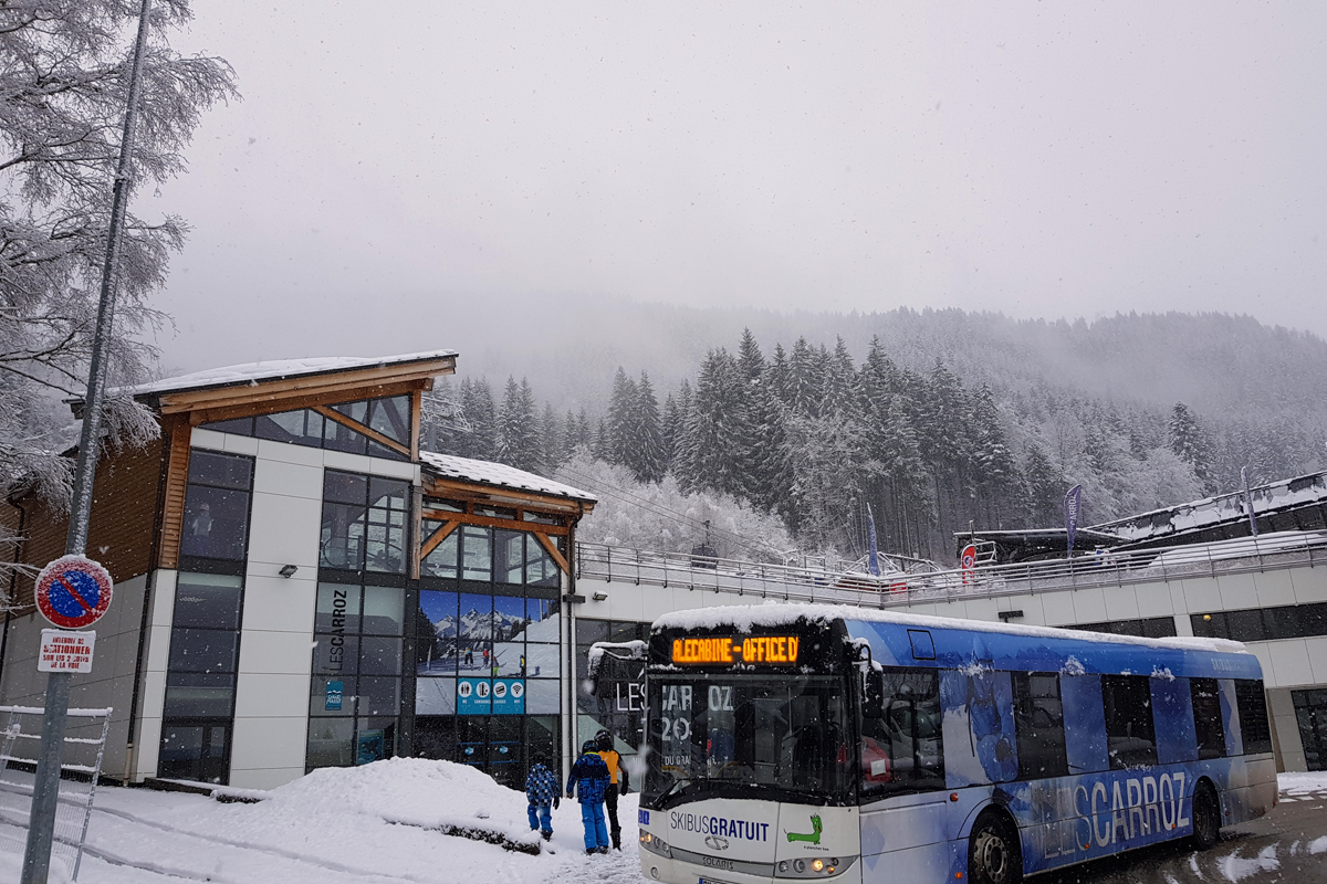 The resort bus stop for the Kedeuze lift - the main gondola