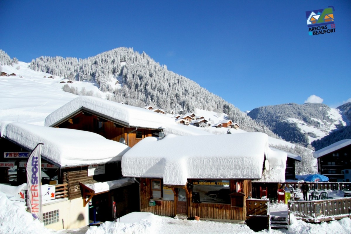 Areches-Beaufort ski village