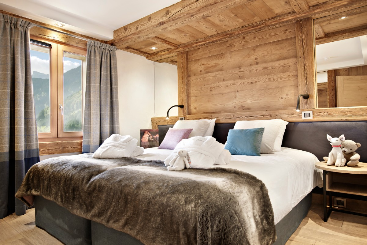 Alexane, Samoens (self catered apartments) - Twin bedroom