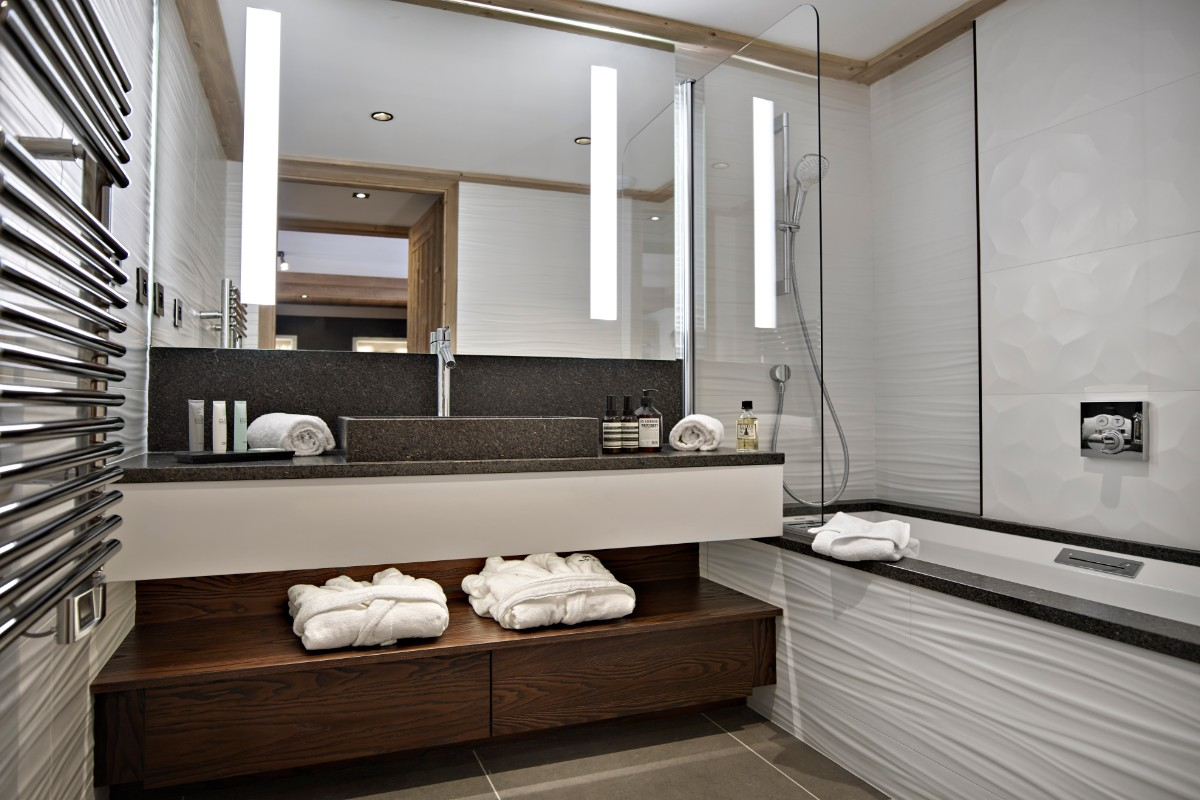 Anitea, Valmorel (self catered apartments) - Bathroom