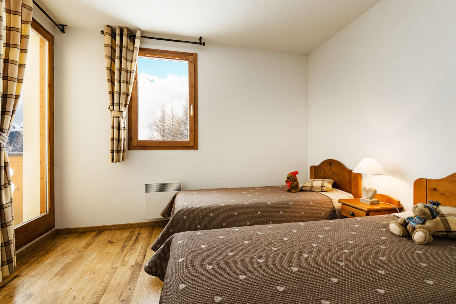 Arollaie, Peisey Vallandry (self catered apartments) - Twin bedroom
